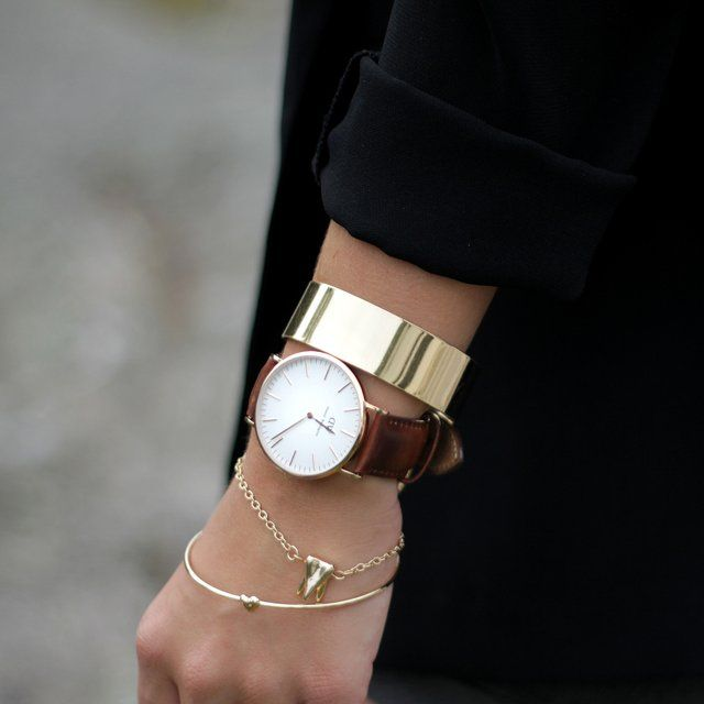fridaandfreya:  Daniel Wellington Watch and gold bracelets
