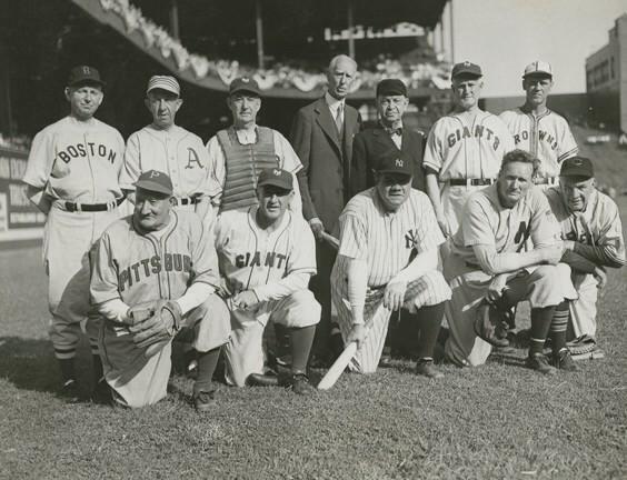 Live Tweets From 1942 On Twitter Baseball History Baseball Photos War Bonds