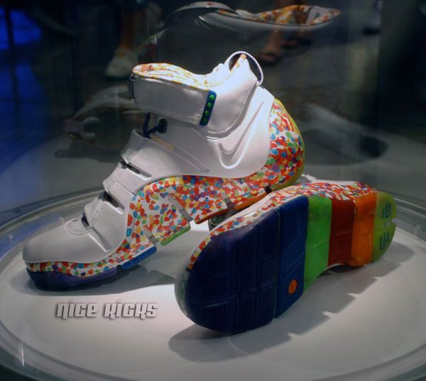 ad024ab8fc48 I wish I had me some of these. Fruity pebble Lebron 4s