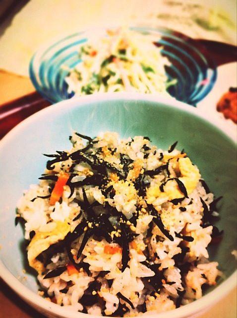 ヘルシーメニューです! - 15件のもぐもぐ - ひじきご飯と水菜のサラダ by murton