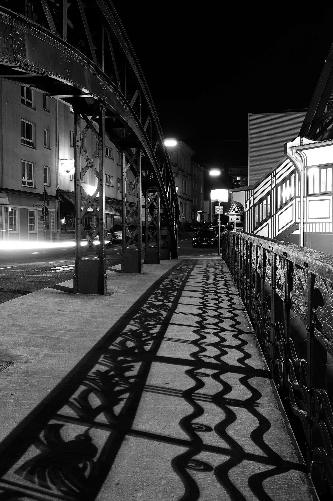 Silhouette Wertherbrucke Wuppertal Monochrom