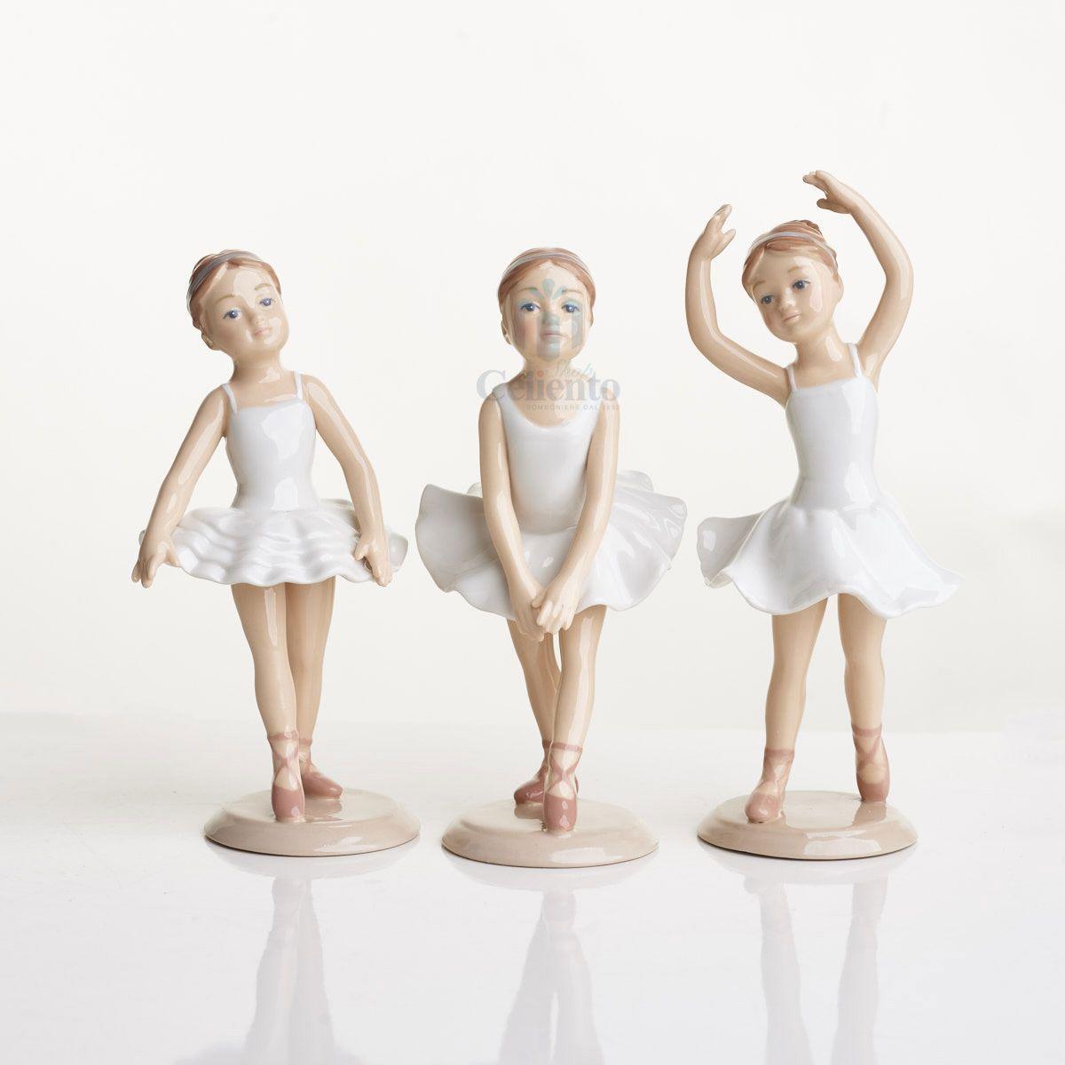 Ballerina in porcellana colore bianco. 3 posizioni assortite