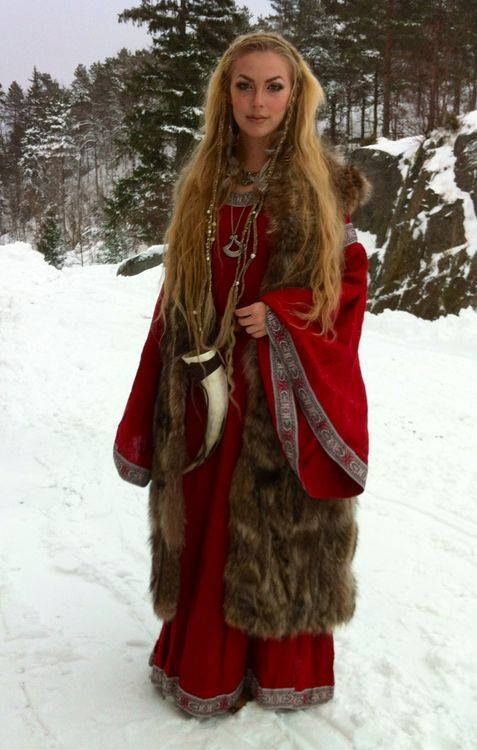 Yule Outfit- LOVE! | Festival Costumes and Makeup | Pinterest | Yule ...