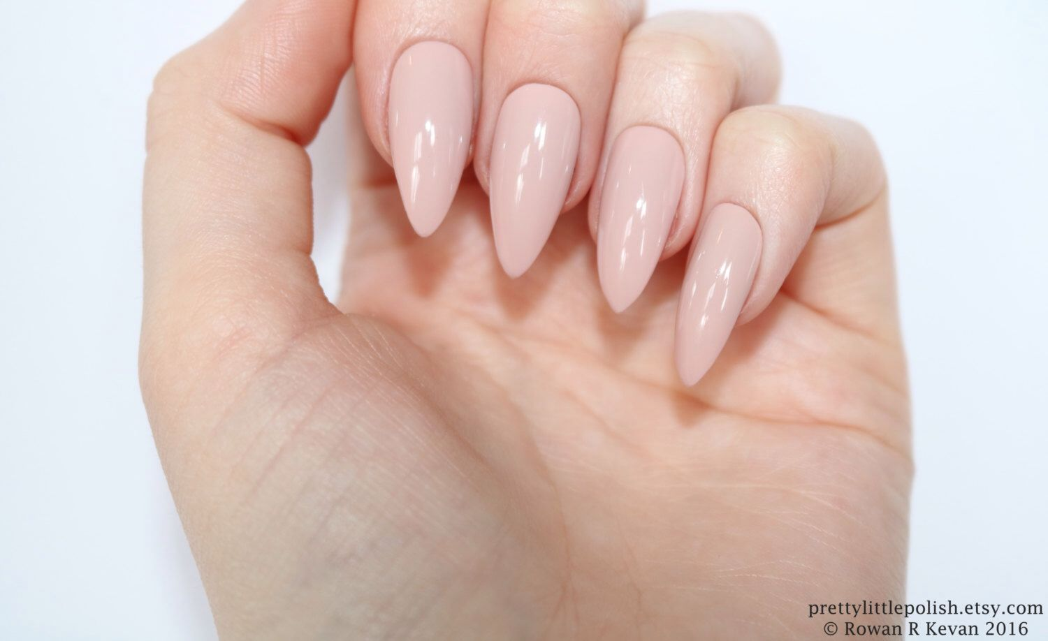 Pink nude stiletto nails, Fake nail, Stiletto nail, Kylie jenner ...