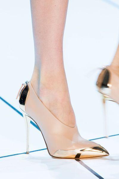2f82dd2ba67b Tendances chaussures défilés automne-hiver 2015-2016 - L Express Styles -  Mugler