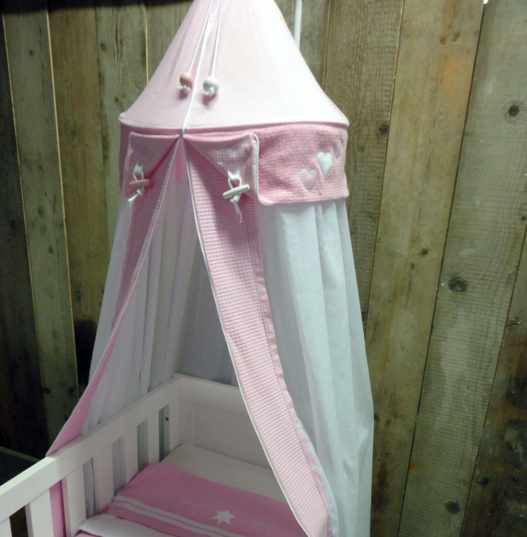 roze klamboe in roze babykamer | complete aankleding babykamer, Deco ideeën