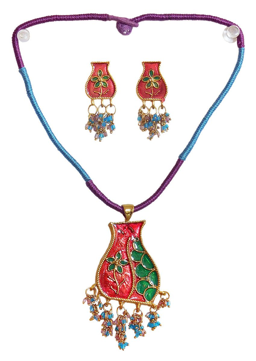 Lacquered metal pendant jewelry pinterest more pendant set and
