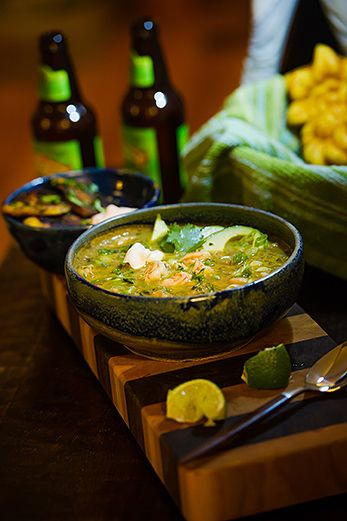 Shrimp Chili Verde Vasili And Amy Used Monahan S Fish Stock And Our Wild Gulf Large Shrimp For A De Chili Shrimp Lobster Recipes White Chili Recipe