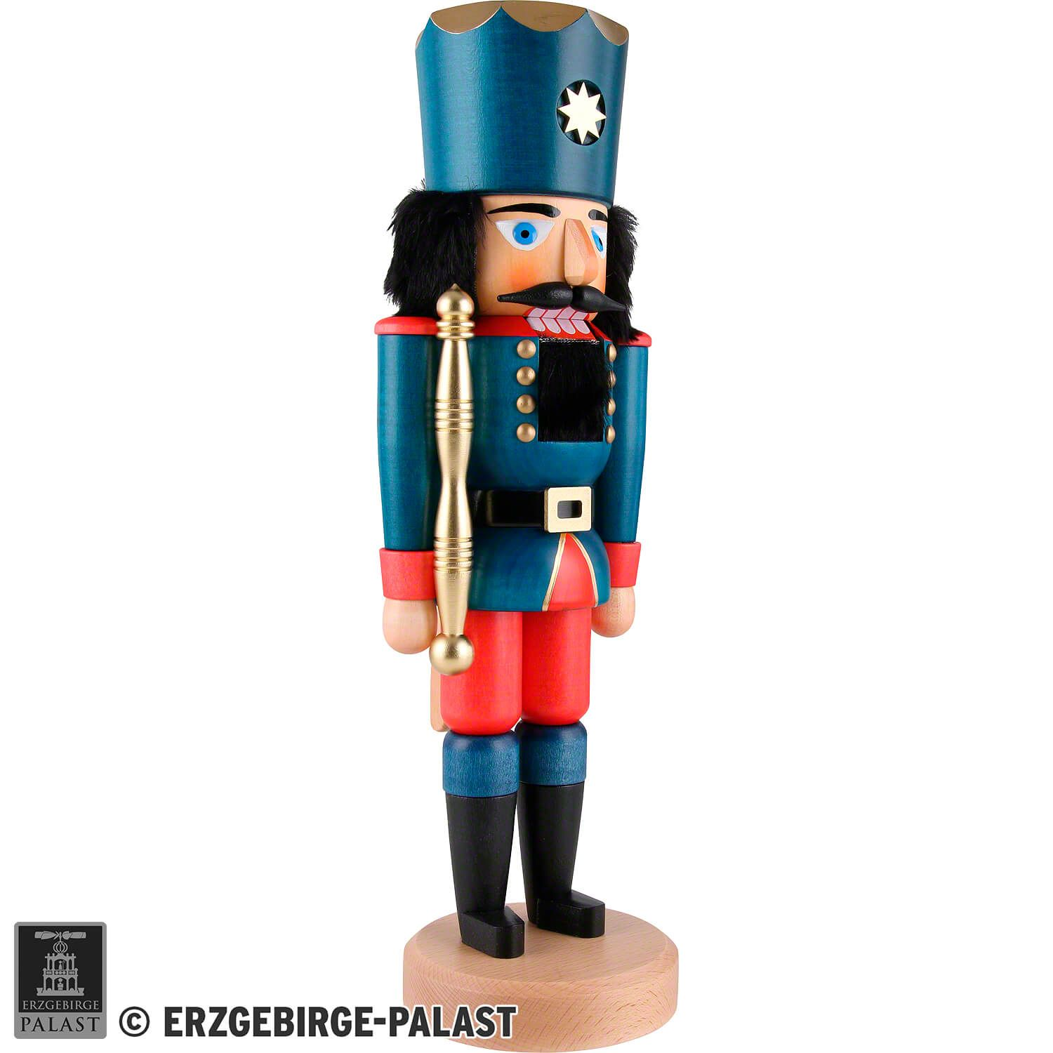 Beautiful, traditional Nutcracker by Christian Ulbricht. The Ulbricht workshops are famous for their premium nutcrackers and have fans around the globe. Their high quality and love for the detail make for a nutcracker that will bring you joy for many years to come.