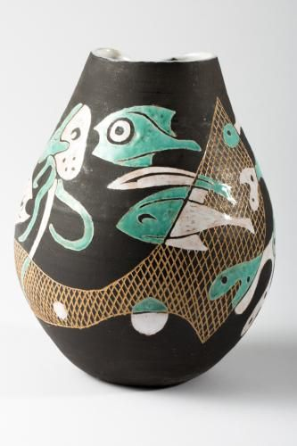 This early student cellar vase with marine life motifs was designed by Gerhard Liebenthron (1925-2005). The piece features a polychromatic matte and glossy decor, a partial sgraffitto technique illustrating fish, an octopus, algae, and nets, as well as a rougher ground surface.