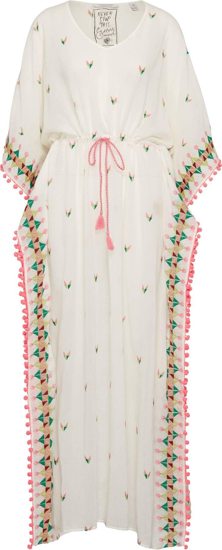 kaftan mit pompom-bodüre | modestil, kaftan, chambray outfit