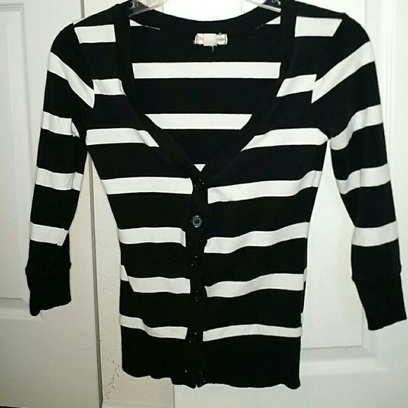 Zenana Outfitters Cardigan 3/4 length sleeves. Super cute. Zenana Outfitters Sweaters Cardigans