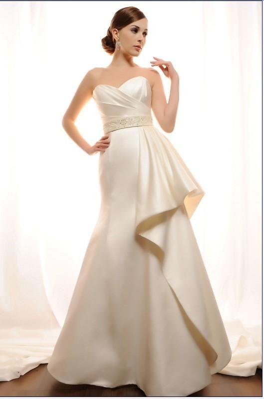 el satín es el rey de las telas para los vestidos de novia, su