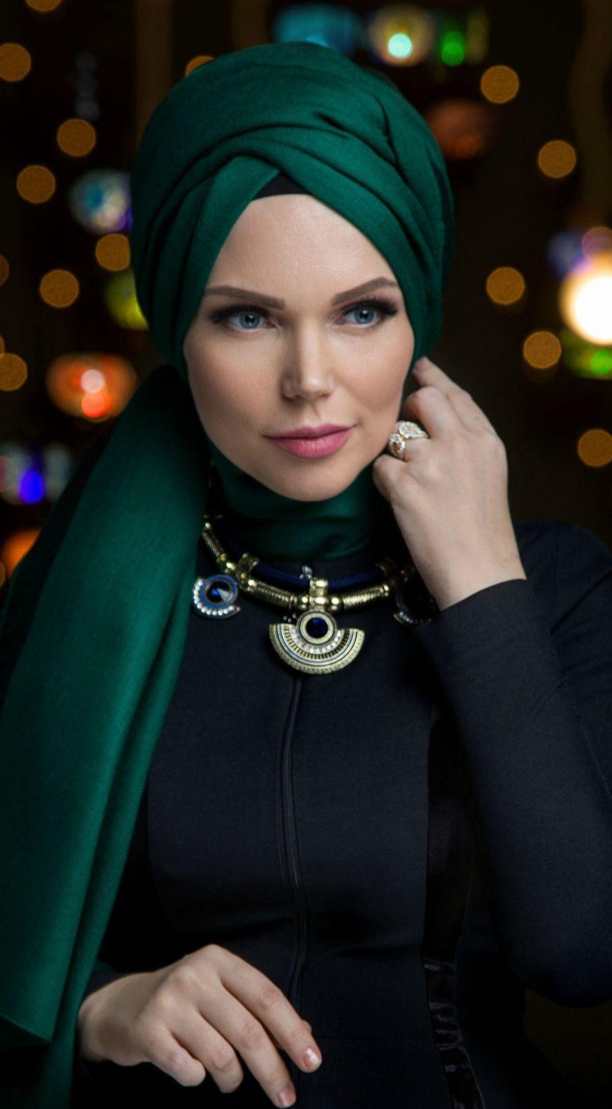 Muslima Wear Queen Hijab Emerald Green   Hijab collection
