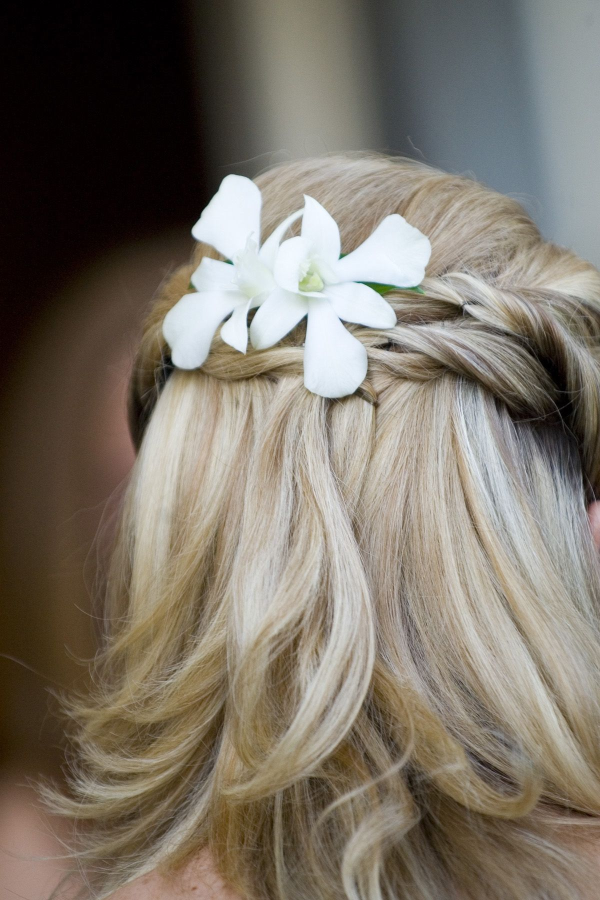simple orchids for the brides hair | flowers to wear | pinterest