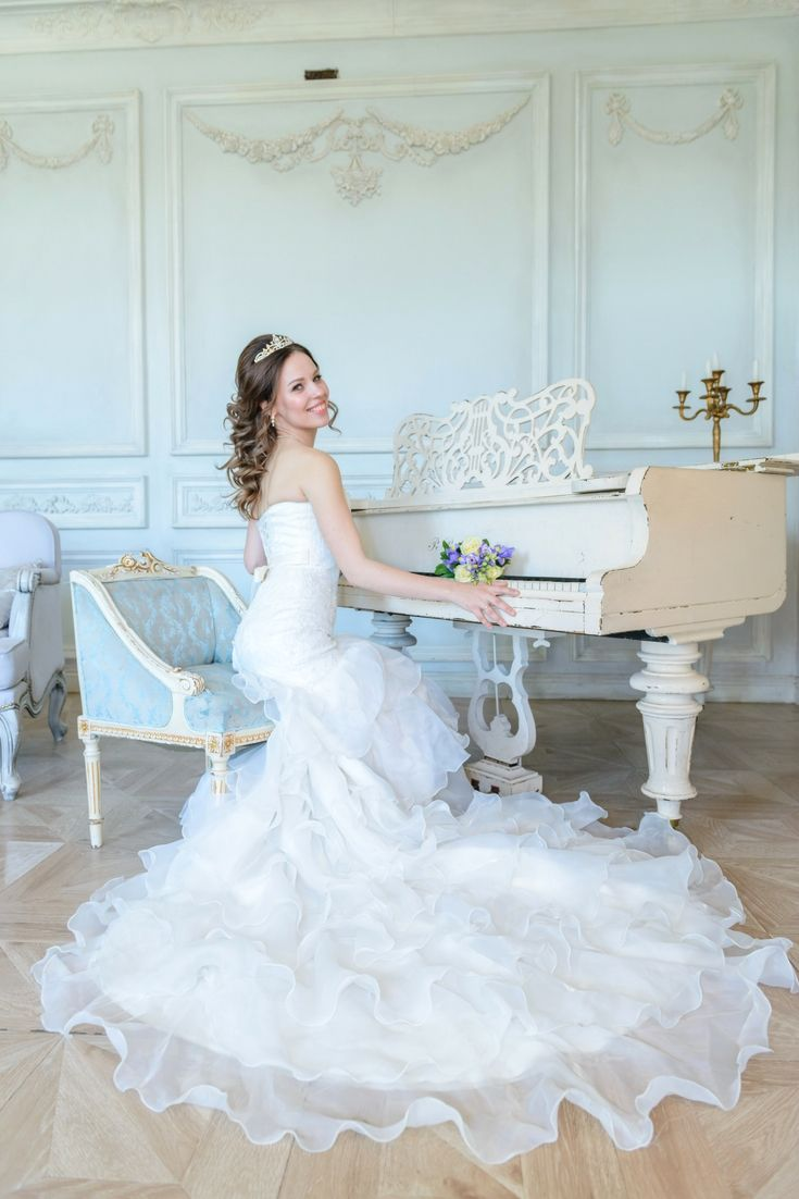 Your Perfect Wedding Dress Collections. In Search Of The Most Up-to ...
