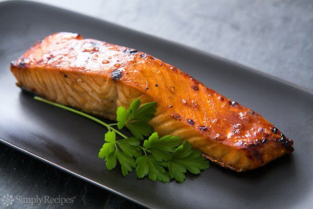 Quick and easy broiled salmon fillets with a hoisin sauce glaze.