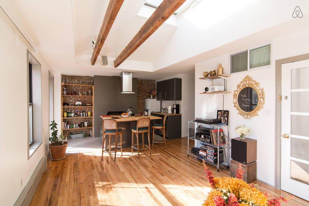 Sjekk ut dette utrolige stedet på Airbnb: Prime Williamsburg Brooklyn NYC - Leiligheter til leie i Brooklyn