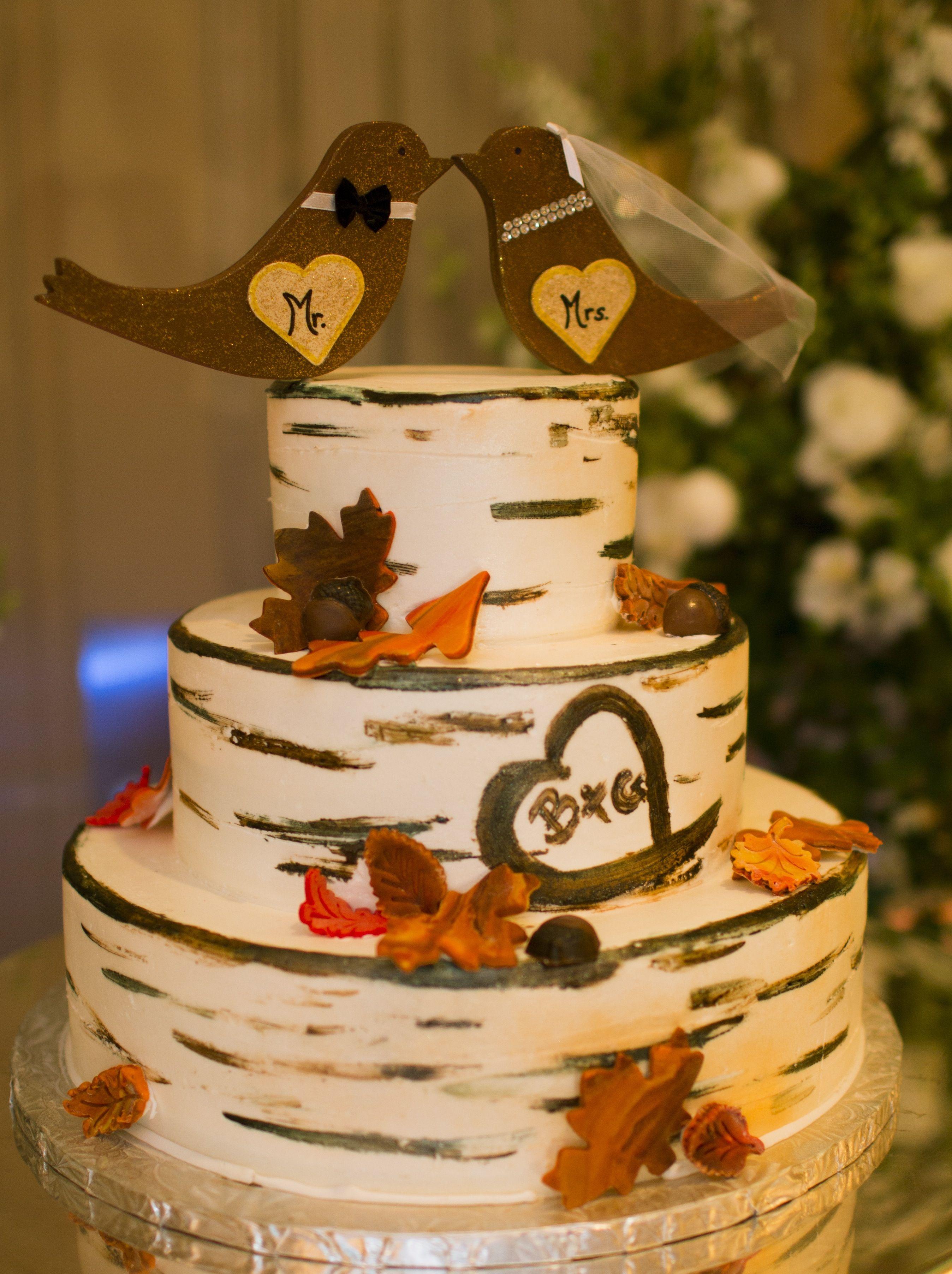 Adorable rustic style fall wedding cake!! fall wedding