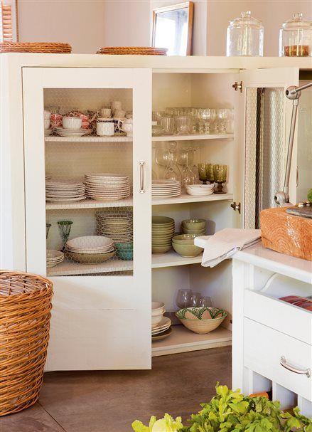 Una cocina mini puede ser perfecta pinterest bajos for Aparadores para cocina