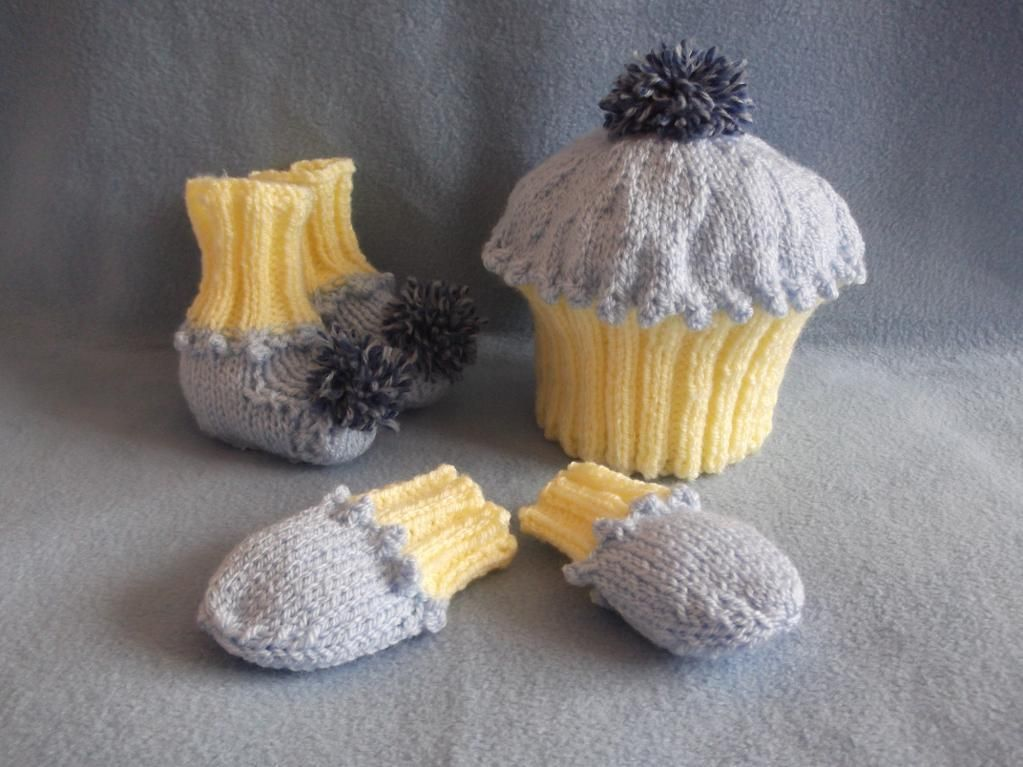 Easy knitting pattern to make a Cupcake set for new baby ...
