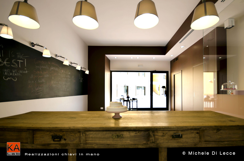 Leccabaffi Cake-away Progetto e Direzione Lavori: Arch. Antonio Di Benedetto Realizzazione: KA LAB srl Consulenza interior design: Cristina Bergamini