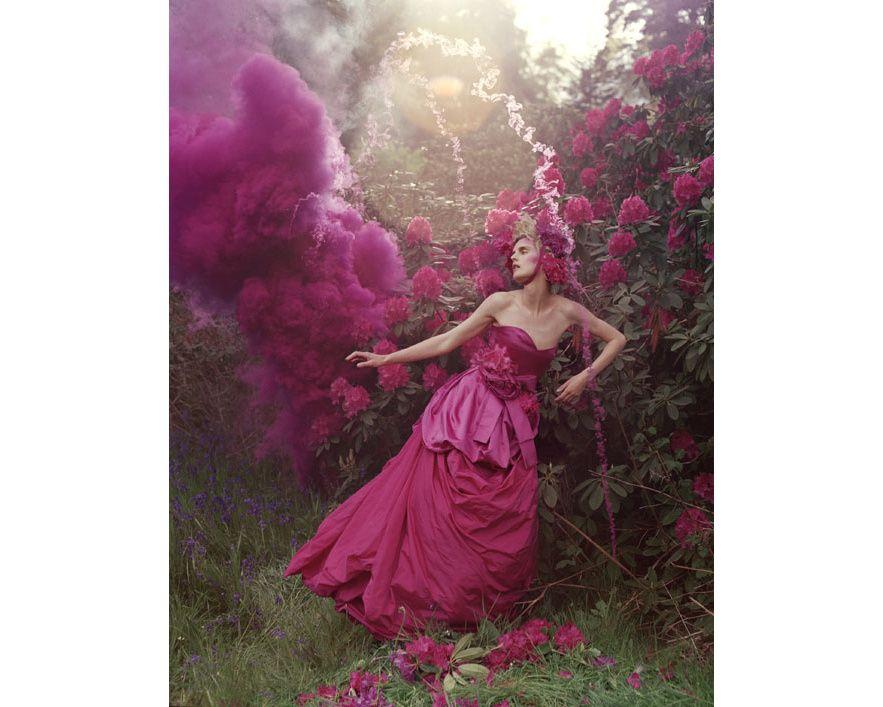 Le livre Story Teller par Tim Walker en images http://www.vogue.fr/photo/le-portfolio-de/diaporama/le-livre-story-teller-par-tim-walker-en-images/11450/image/678207#8