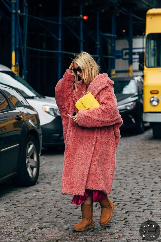 New York FW 2019 Street Style: Charlotte Groeneveld - STYLE DU MONDE | Street Style Street Fashion Photos Charlotte Groeneveld #bohostreetstyle