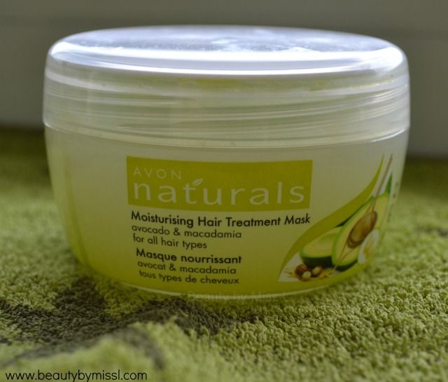 Avon Naturals Moisturising Hair Treatment Mask review via @beautybymissl #haircare #beauty #review