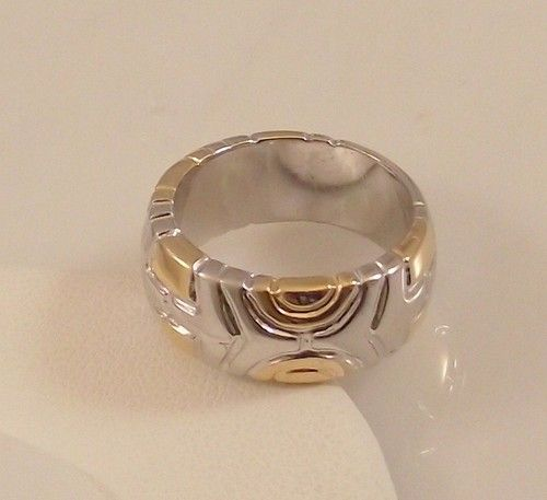 Ladies Silver and Gold Design ~ Two Tone Gold Overlay Ring Size 6 Free Gift Box                                                                                              Ladies Silver and Gold Design ~ Two Tone Gold Overlay Ring Size 6 Free Gift Box