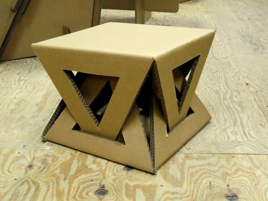 Cardboard table muebles de cart n cardboard furniture for Box table design