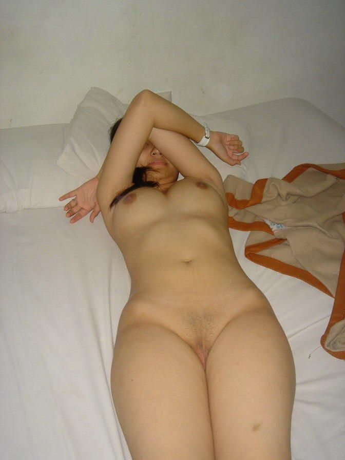 nude indian shy girl