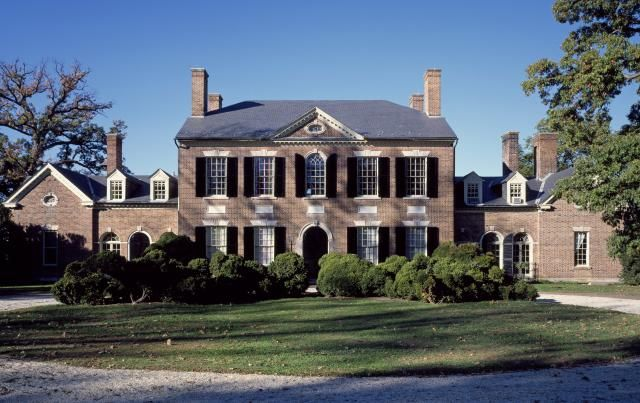 House Styles From America S Founding To Present House Styles Federal Style House Craftsman House