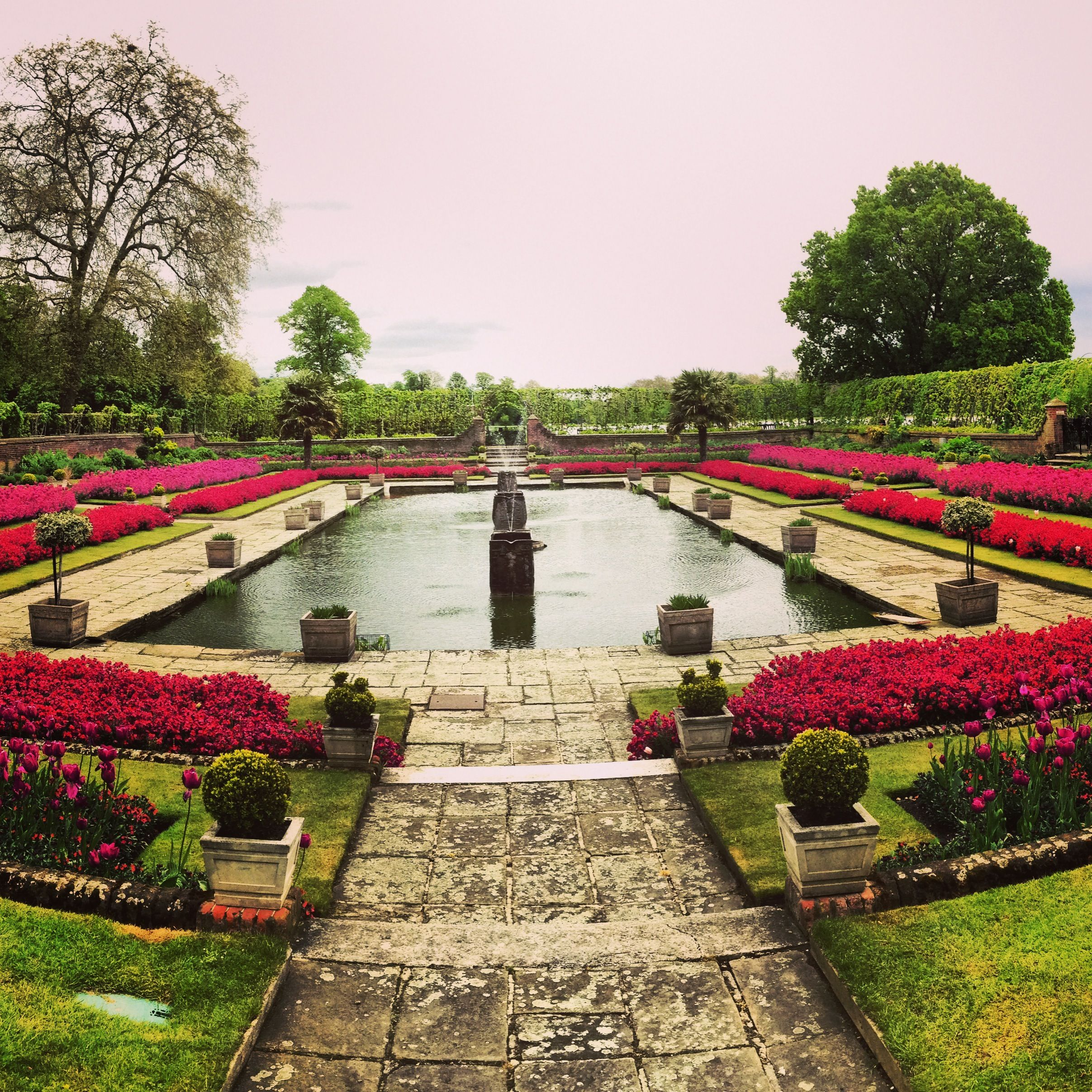 Physic garden wikipedia - Kensington Gardens London