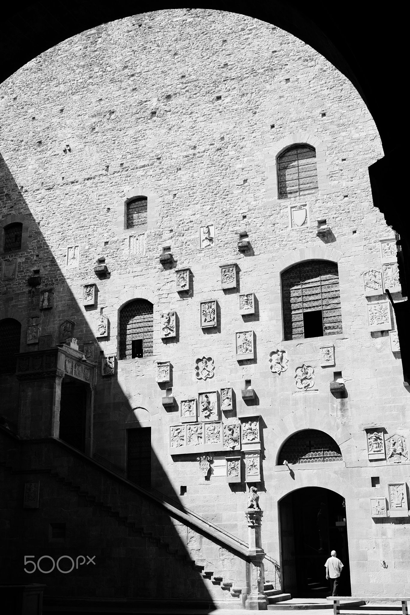 House of the Rising Shadow - The Bargello in Florence, Italy, is a great museum to visit, namely for its wonderful sculpture collection. It's one of the oldest buildings in the city, dating back to the 13th century and I also love it for other reasons. Here's why.