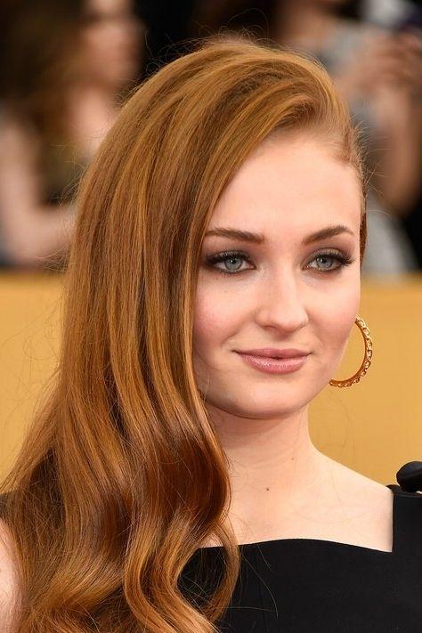 Got S Sophie Turner Just Dyed Her Hair Platinum Blond Sophie Turner Sansa Stark Actress Her Hair