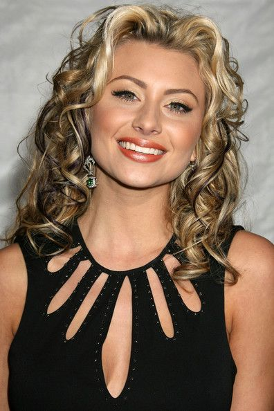 Alyson Michalka Hair