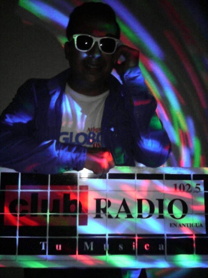 Tu música.... en Club Radio 102.5