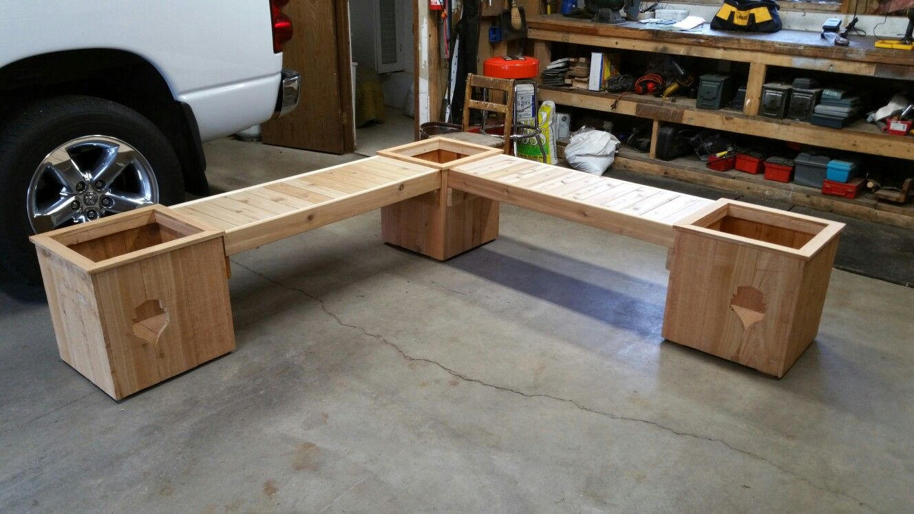 L Shaped Cedar Planter Box Bench With Sounders Logo See More At Www Facebook Com Chucksplanterboxes Diy Patio