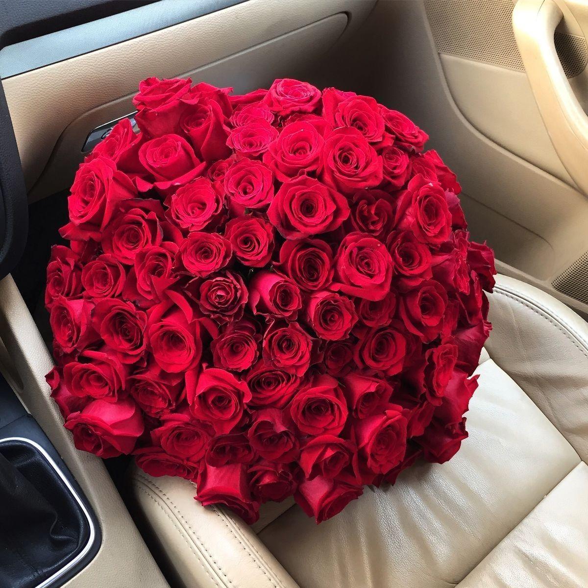 Pin By Leyla On عشاق الورد Red Rose Bouquet Luxury Flowers Flower Business