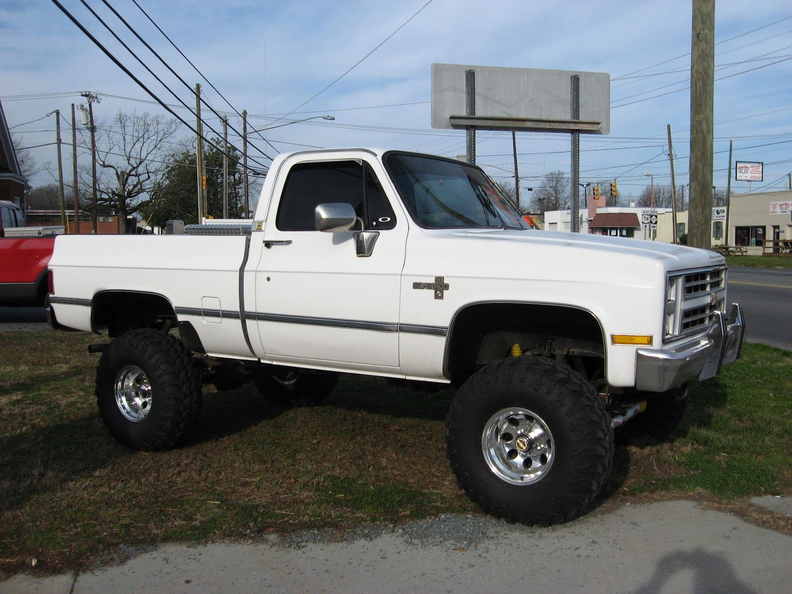 White 2 20 12 002 chevrolet truck chevy 4x4lifted