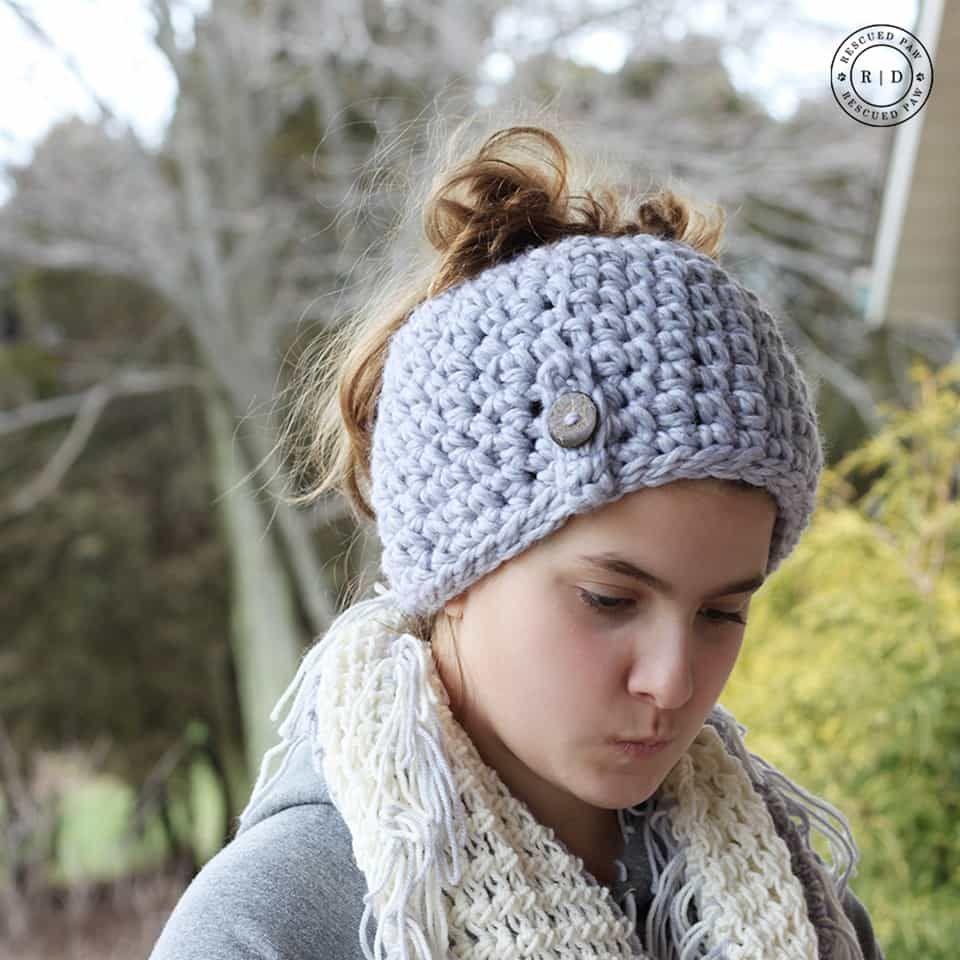 Free Messy Bun Beanie Crochet Pattern! | Gorros, Gorro tejido y ...