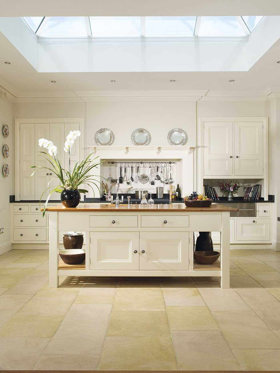 Famed For Its Cabinetmakers Britain Has A Wealth Of Skilled