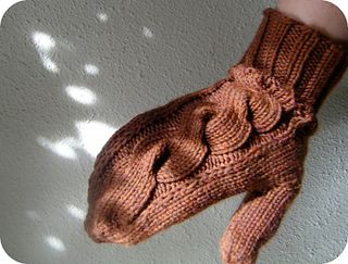 Ravelry: Gingersnap Mittens pattern by Leanne of Prairiesque