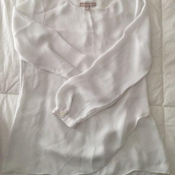 White blouse Scallop hem Banana Republic Tops Blouses