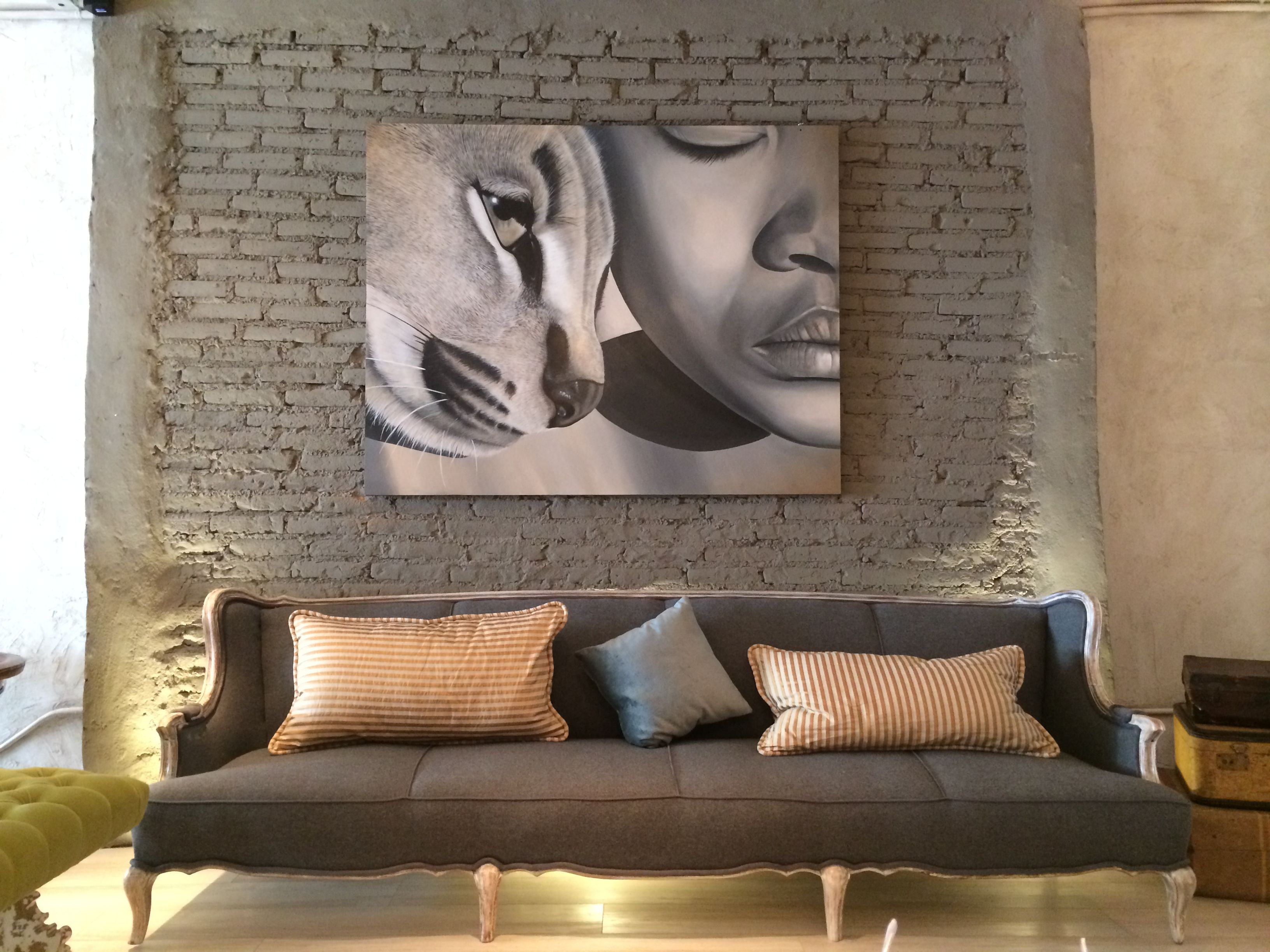 Sillon estilo vintage tapizado con fieltro gris cojines - Almohadones para decorar sillones ...