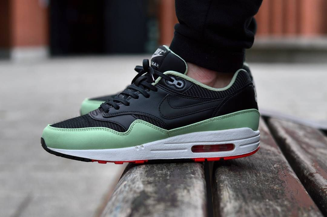 best service 84cb5 29b93 Nike Air Max 1 FB