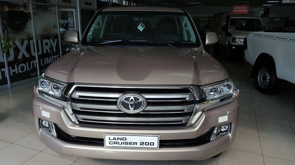 My Dream Beast Land Cruiser Vx V8 In Toyota Zambia Showroom Thoughtbecomethings Dreamboard Be Forever Living Products Dream Board Forever Living Business