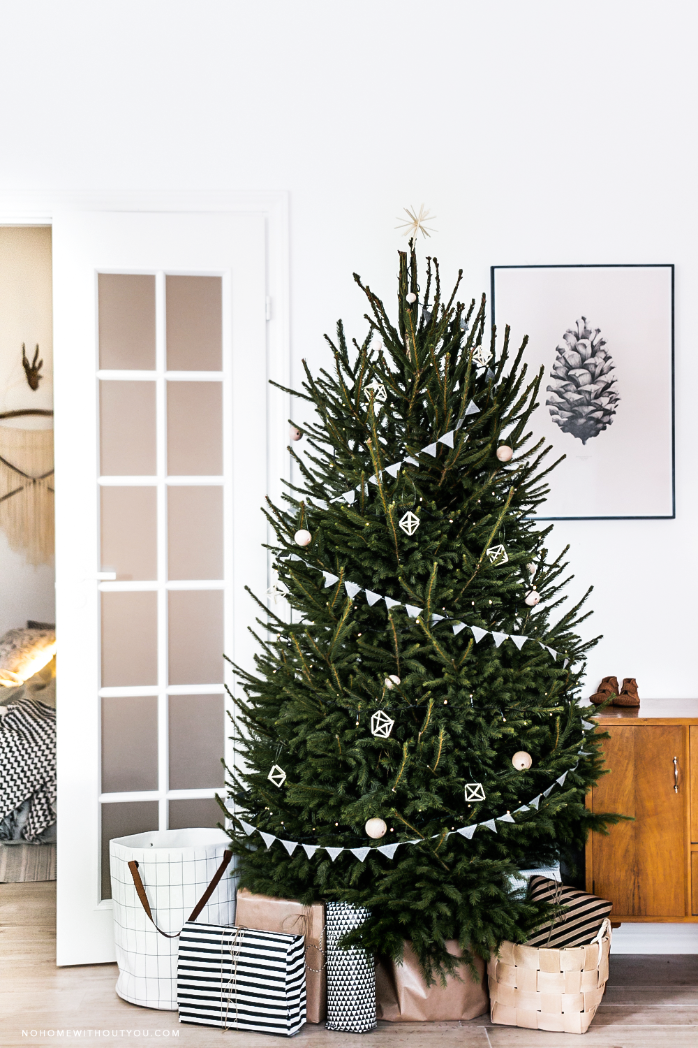 scandinavian christmas tree simple christmas trees christmas tree inspo scandinavian christmas decorations minimal - Nordic Christmas Tree Decorations