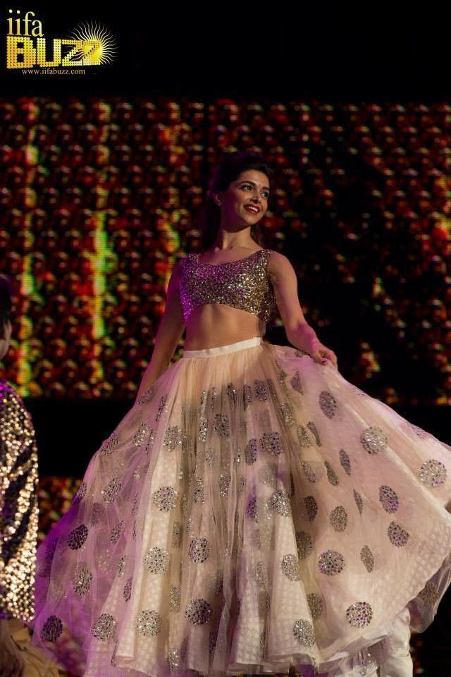 Deepika Padukone performing at IIFA 2014 | Indian wedding ...